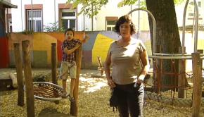 """Sabine Ernst leitet die """"Schaworalle"""", Schule und Kindertagesstätte für Frankfurter Roma."""